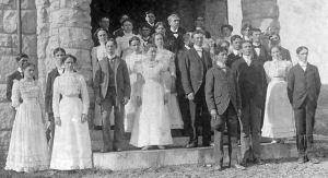 The class of 1899 celebrate Commencement at the Stone Church.